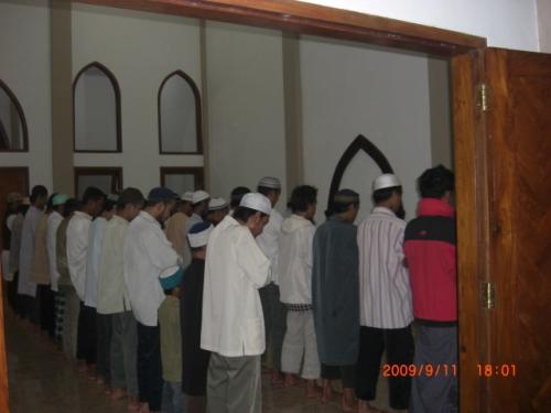 Sholat Berjamaah di masjid Pesantren AL-ITTIBA' Klaten